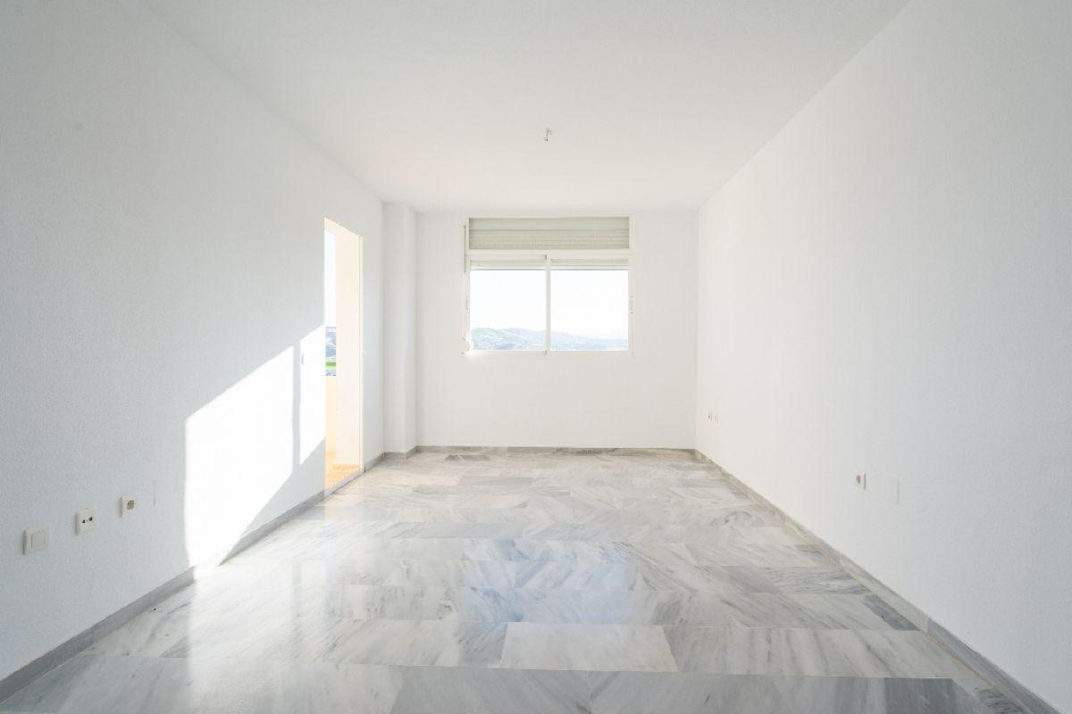 Piso en venta en Piso en Mijas, Málaga, 160.000 €, 3 habitaciones, 2 baños, 100 m2