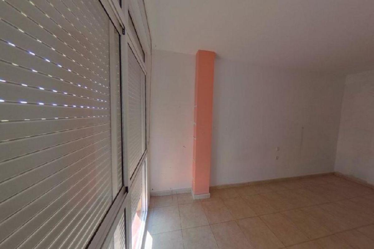 Piso en venta en Piso en Arona, Santa Cruz de Tenerife, 134.000 €, 3 habitaciones, 2 baños, 125 m2