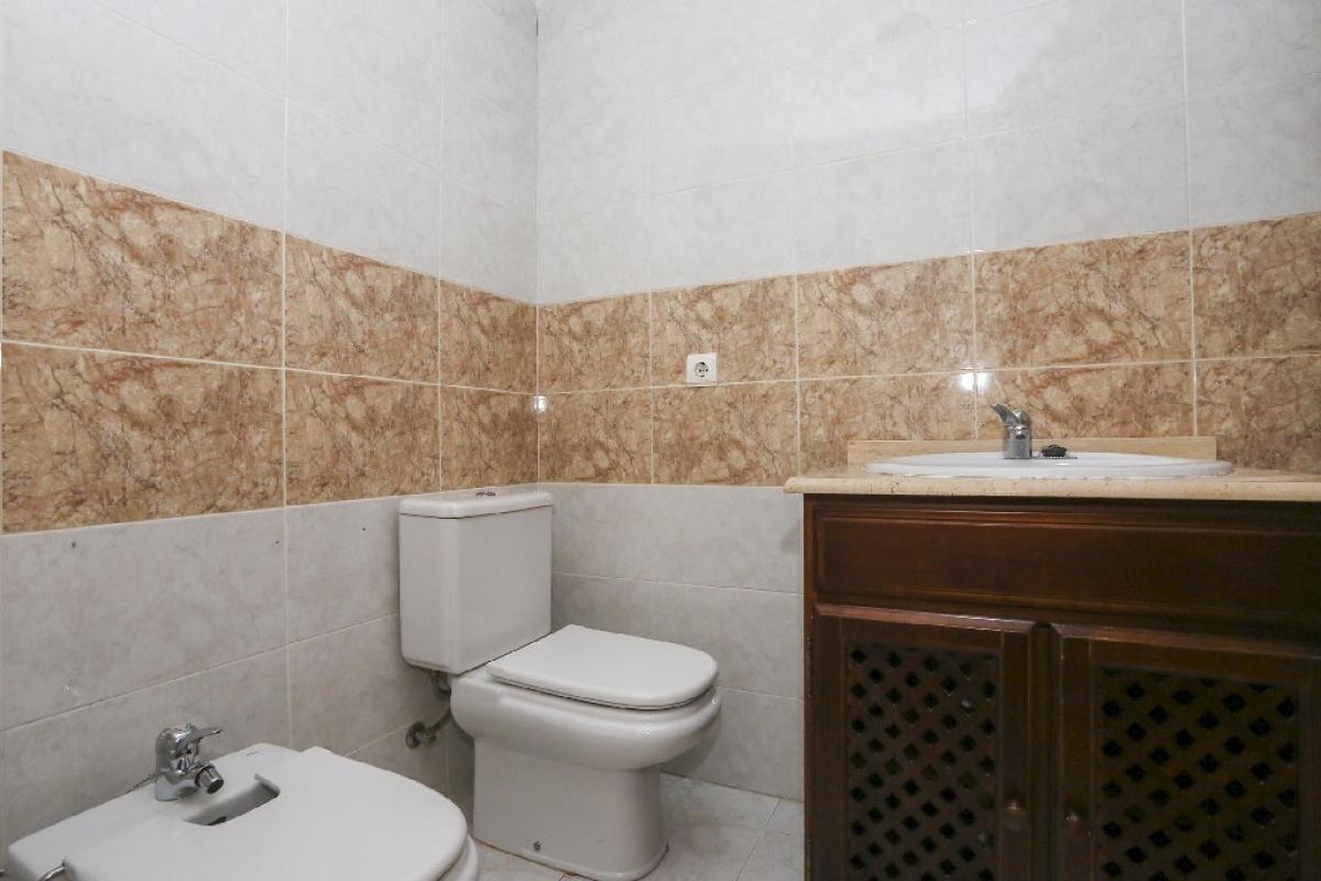 Piso en venta en Piso en Gandia, Valencia, 119.000 €, 4 habitaciones, 2 baños, 134,5 m2