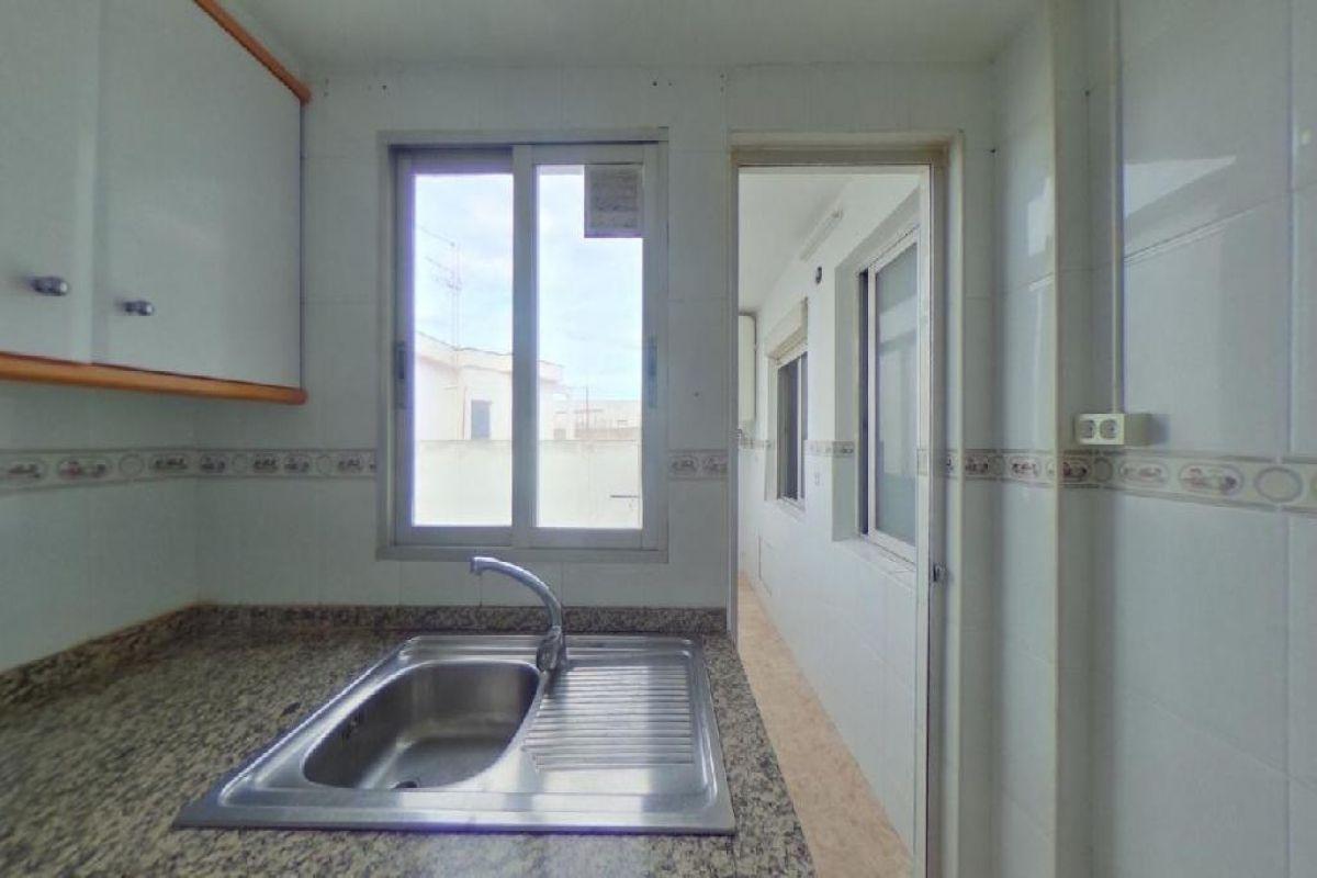 Piso en venta en Piso en Valencia, Valencia, 111.000 €, 4 habitaciones, 1 baño, 109 m2