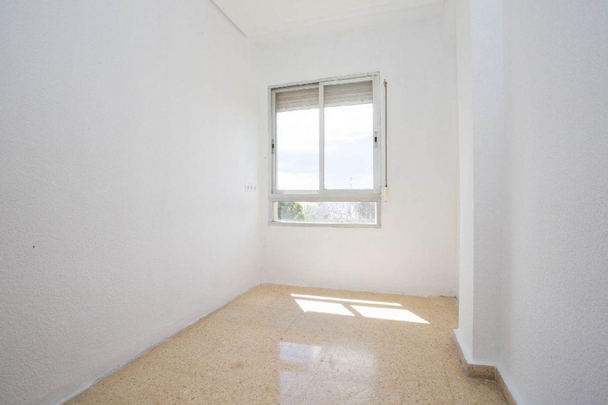 Piso en venta en Piso en Valencia, Valencia, 103.000 €, 4 habitaciones, 1 baño, 81 m2