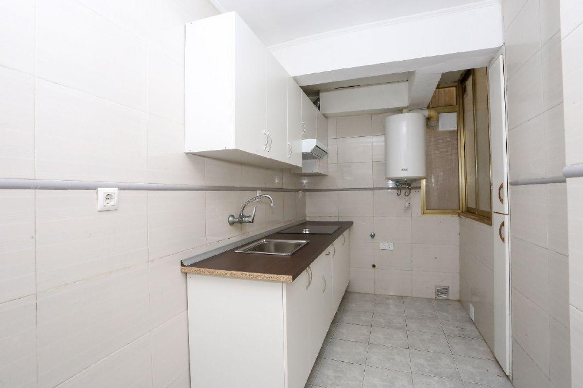 Piso en venta en Piso en Valencia, Valencia, 96.000 €, 3 habitaciones, 1 baño, 79 m2