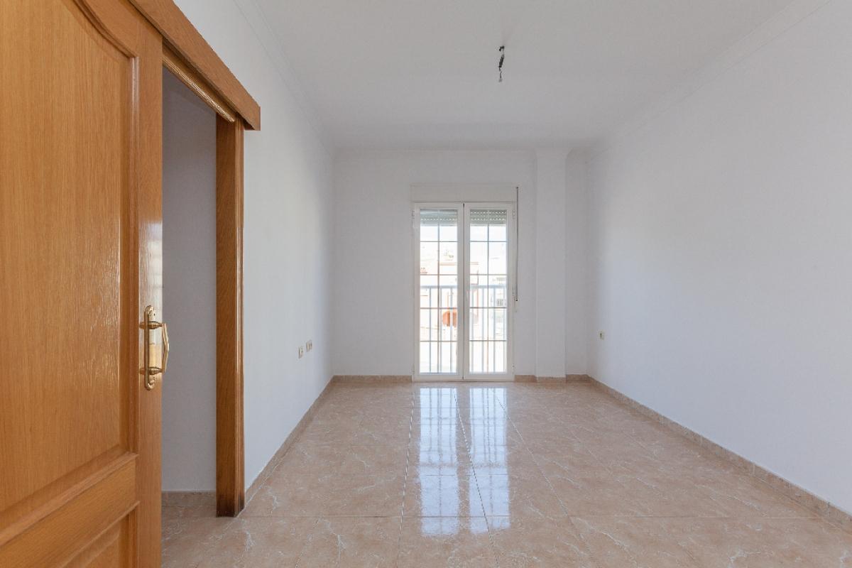 Piso en venta en Piso en Roquetas de Mar, Almería, 78.000 €, 2 habitaciones, 1 baño, 138 m2