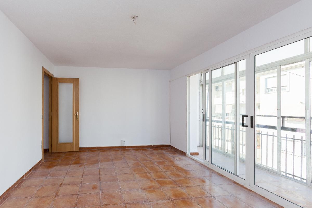 Piso en venta en Altea, Alicante, Calle Alt Rei Jaume I, 89.000 €, 3 habitaciones, 1 baño, 90 m2