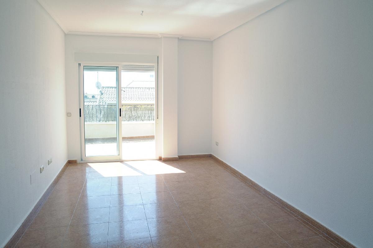 Piso en venta en Las Esperanzas, Pilar de la Horadada, Alicante, Calle García Morato, 91.100 €, 2 habitaciones, 75 m2