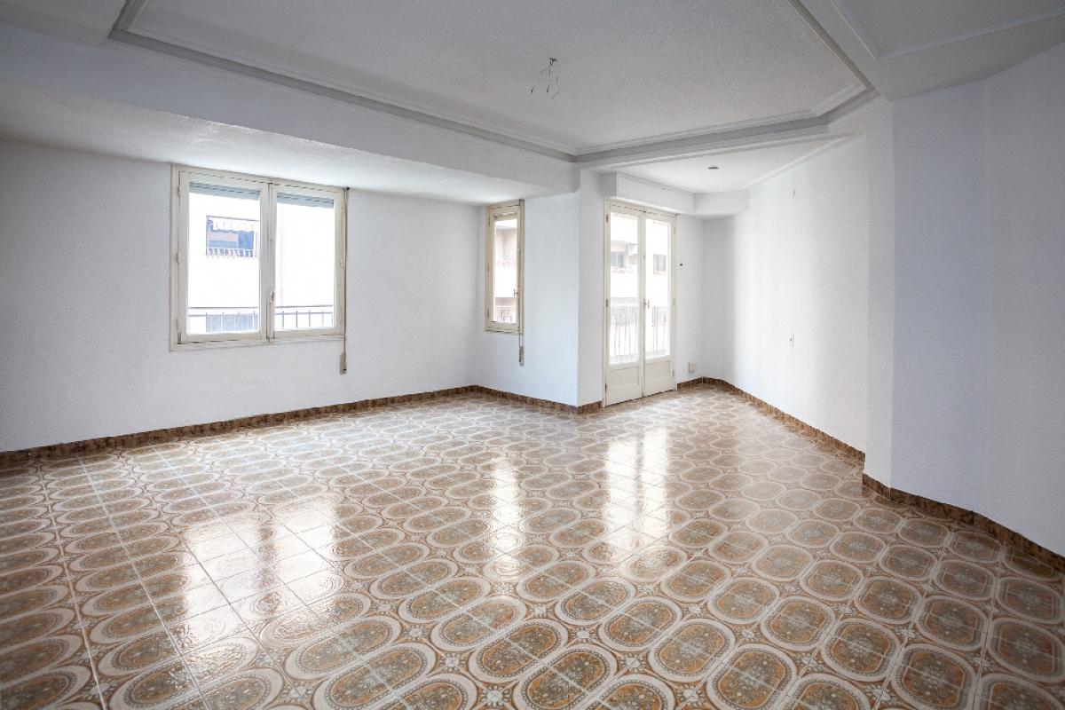 Piso en venta en Pont Nou, Elche/elx, Alicante, Calle Jorge Juan, 56.000 €, 3 habitaciones, 1 baño, 91 m2