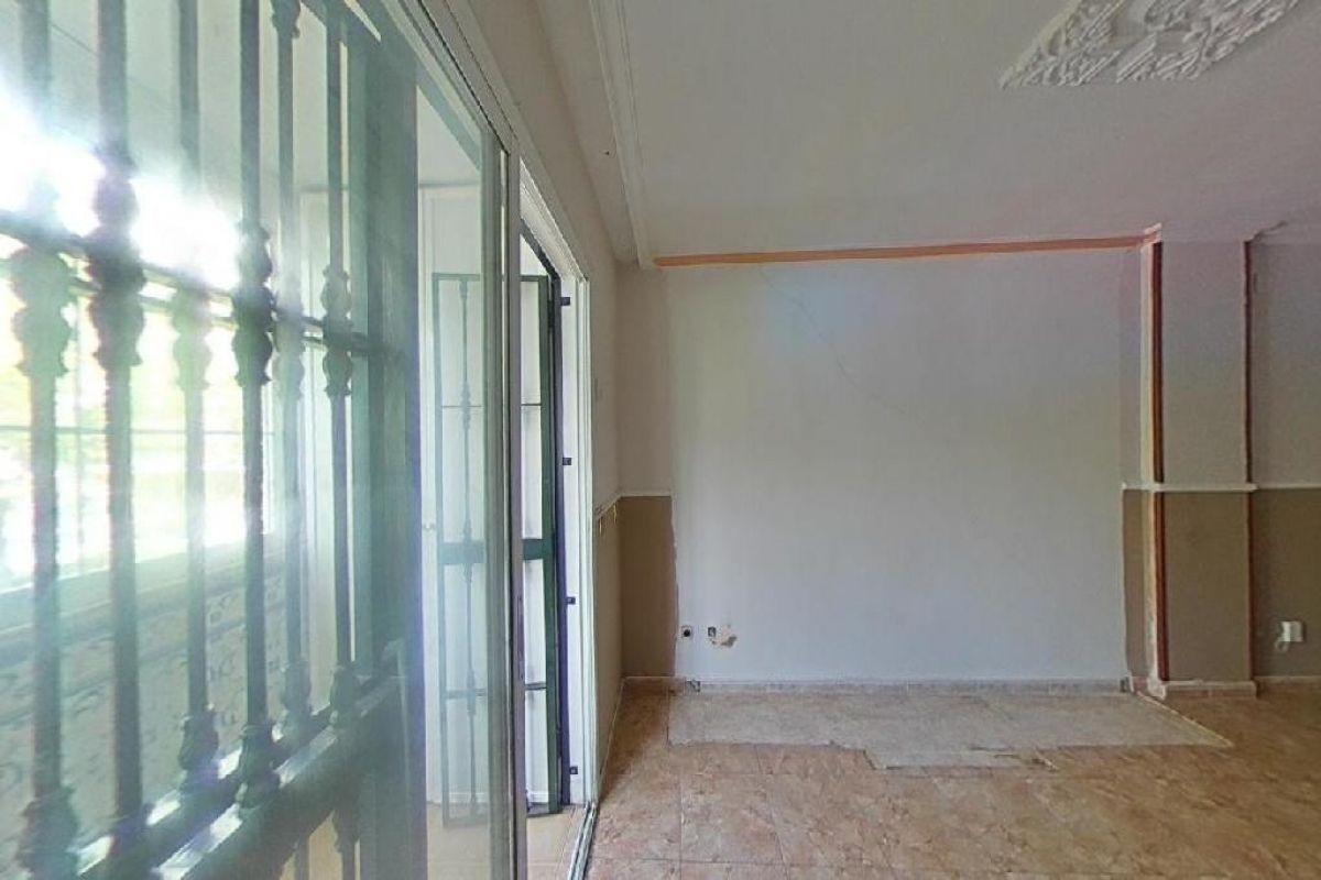 Piso en venta en Piso en Sevilla, Sevilla, 126.000 €, 4 habitaciones, 2 baños, 91 m2