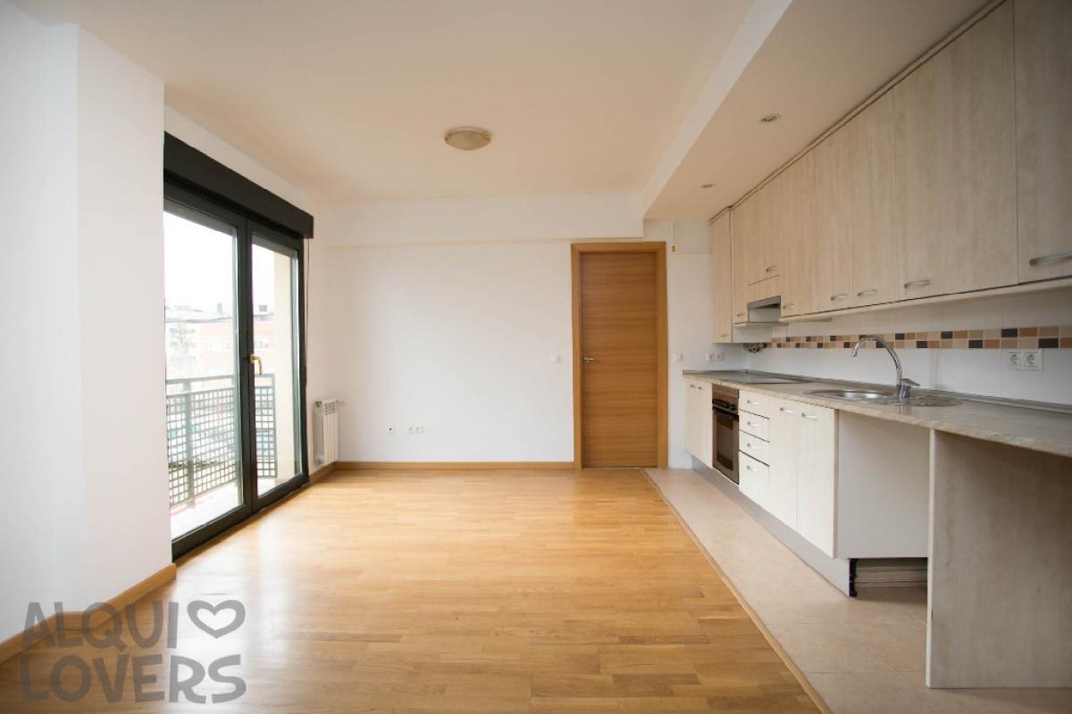 Piso en venta en Piso en Collado Villalba, Madrid, 120.000 €, 1 habitación, 1 baño, 48 m2
