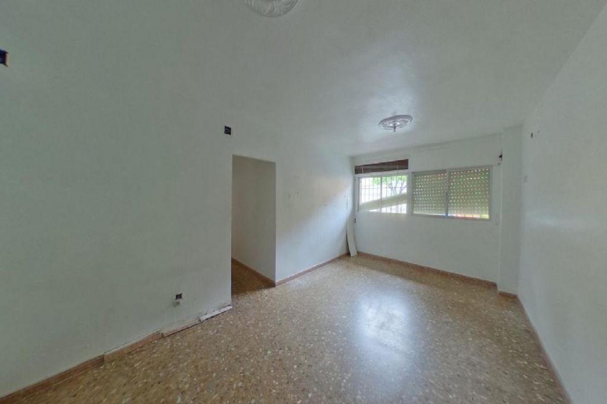 Piso en venta en Piso en El Ejido, Almería, 73.000 €, 2 habitaciones, 1 baño, 105 m2