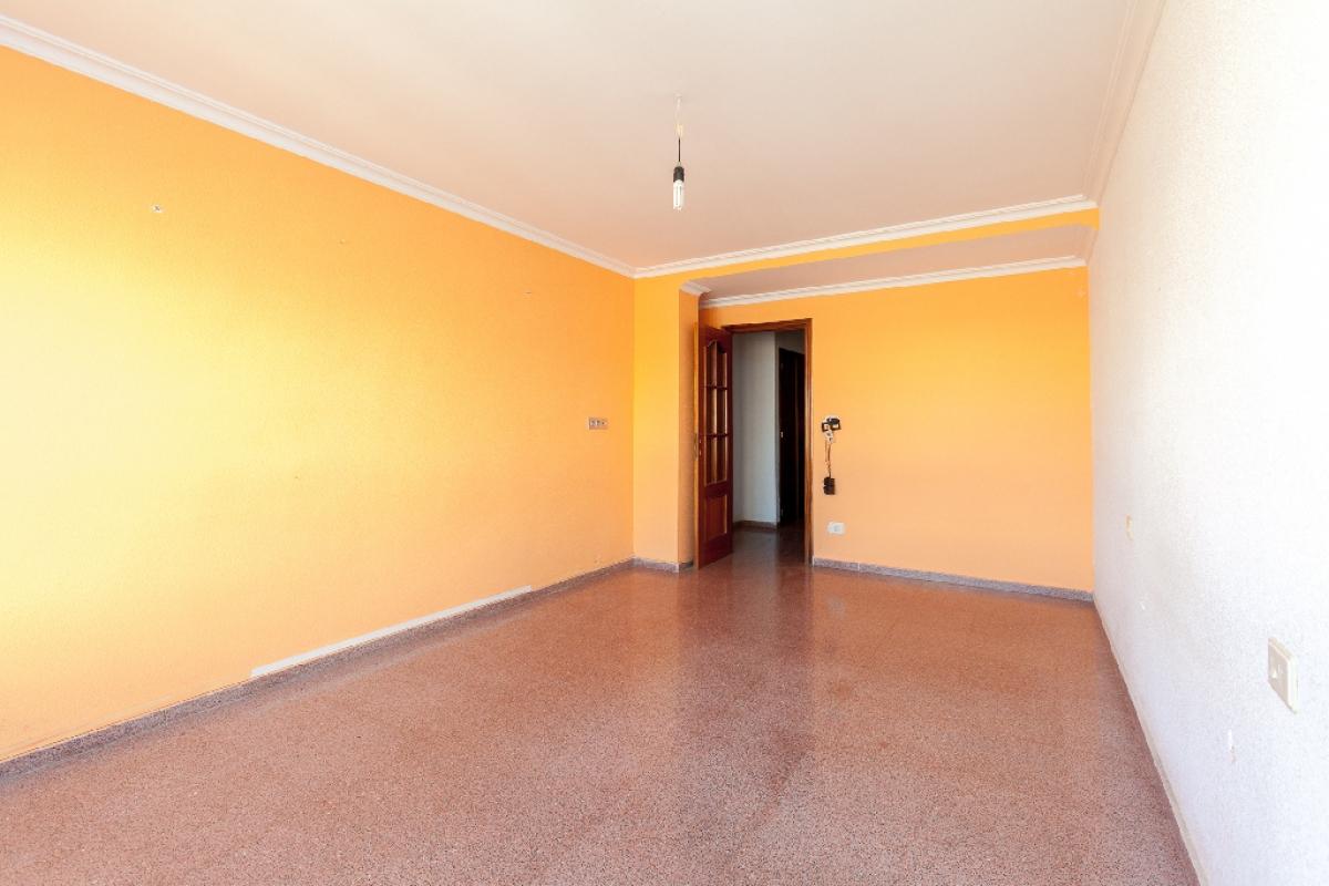 Piso en venta en Piso en Yecla, Murcia, 75.000 €, 5 habitaciones, 2 baños, 165 m2