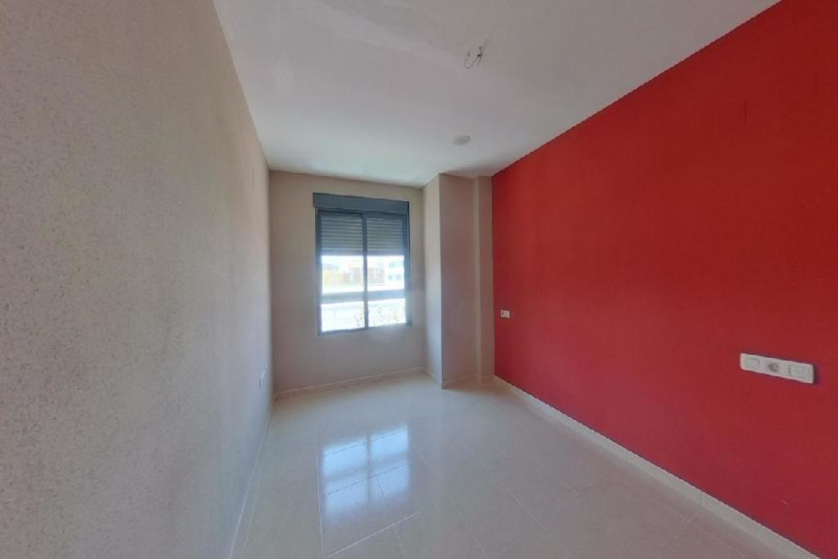 Piso en venta en Piso en Chilches/xilxes, Castellón, 68.300 €, 3 habitaciones, 2 baños, 114 m2, Garaje