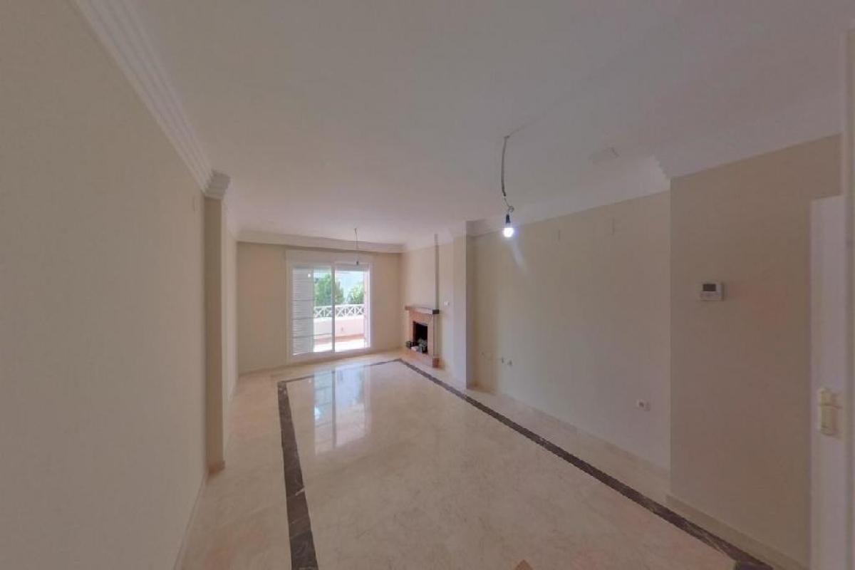 Piso en venta en Piso en Marbella, Málaga, 225.500 €, 1 habitación, 1 baño, 99 m2