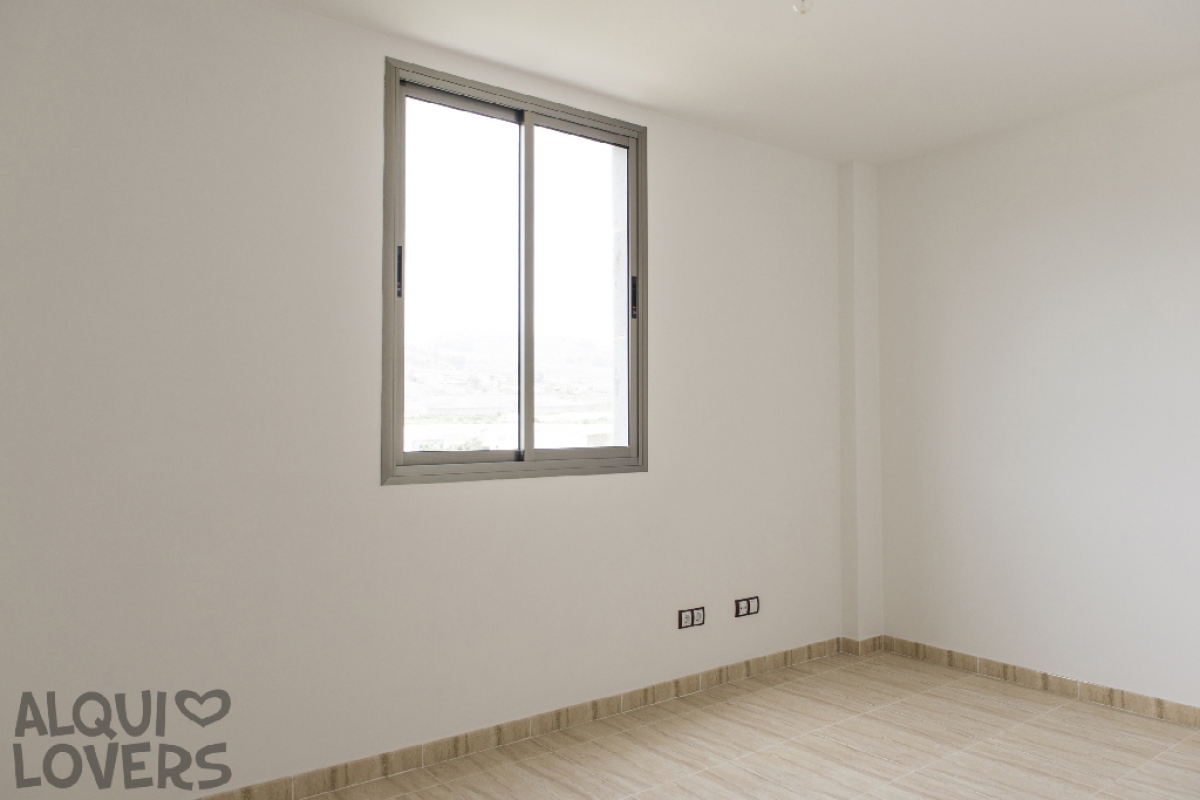 Piso en venta en Piso en Arucas, Las Palmas, 163.500 €, 3 habitaciones, 2 baños, 100 m2