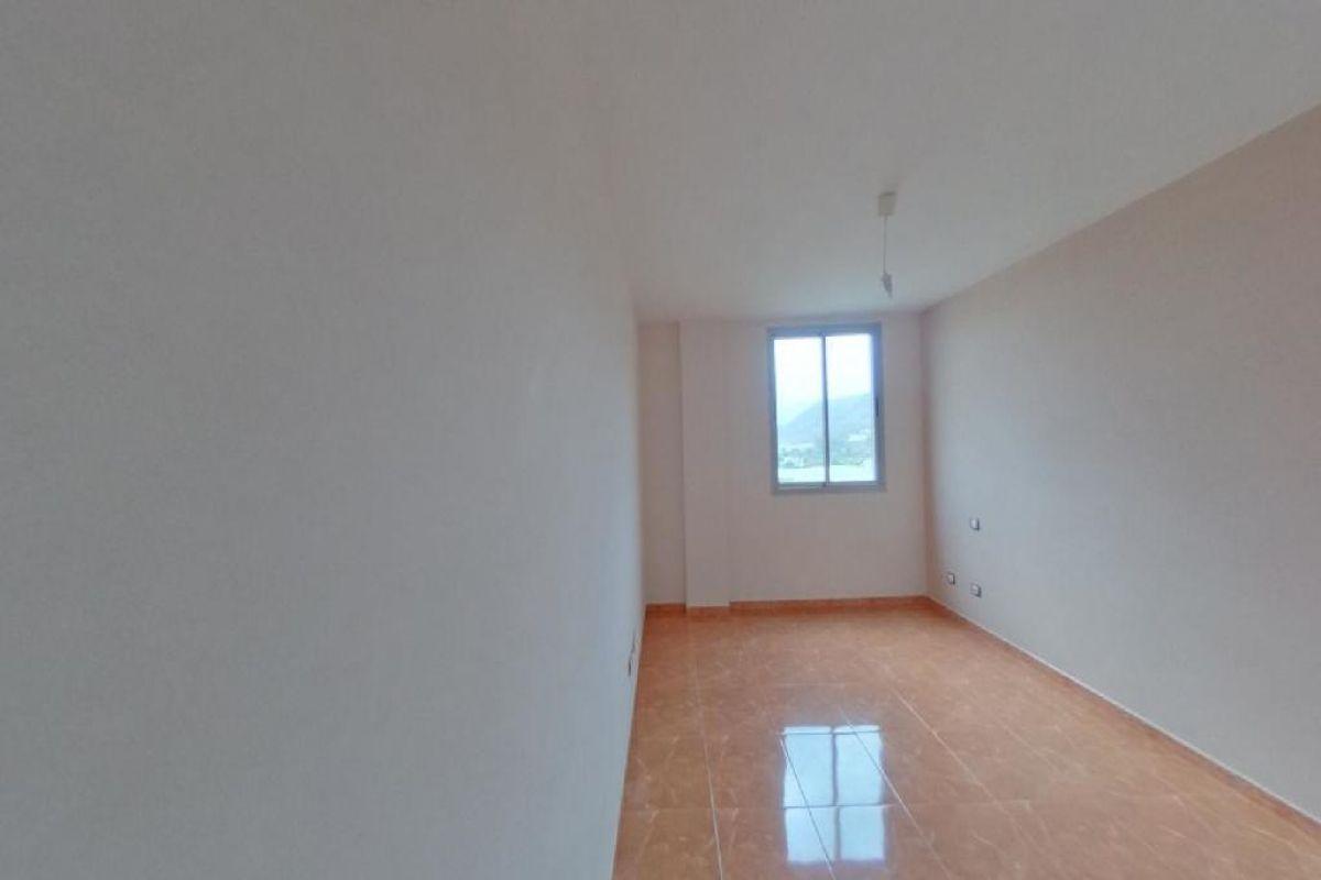 Piso en venta en Piso en Arucas, Las Palmas, 151.000 €, 3 habitaciones, 2 baños, 97 m2