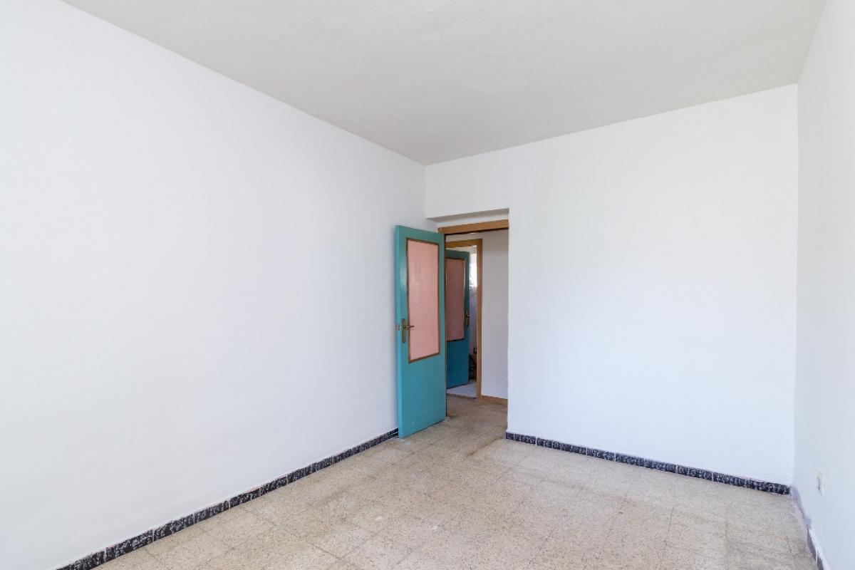 Piso en venta en Piso en Alcalá de Henares, Madrid, 85.000 €, 3 habitaciones, 1 baño, 71 m2