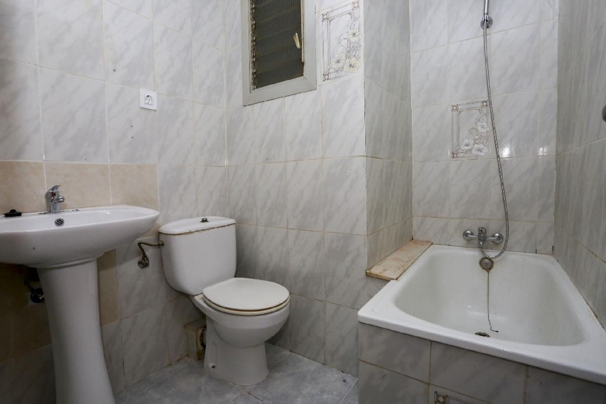 Piso en venta en Piso en Torrent, Valencia, 65.000 €, 3 habitaciones, 1 baño, 87 m2