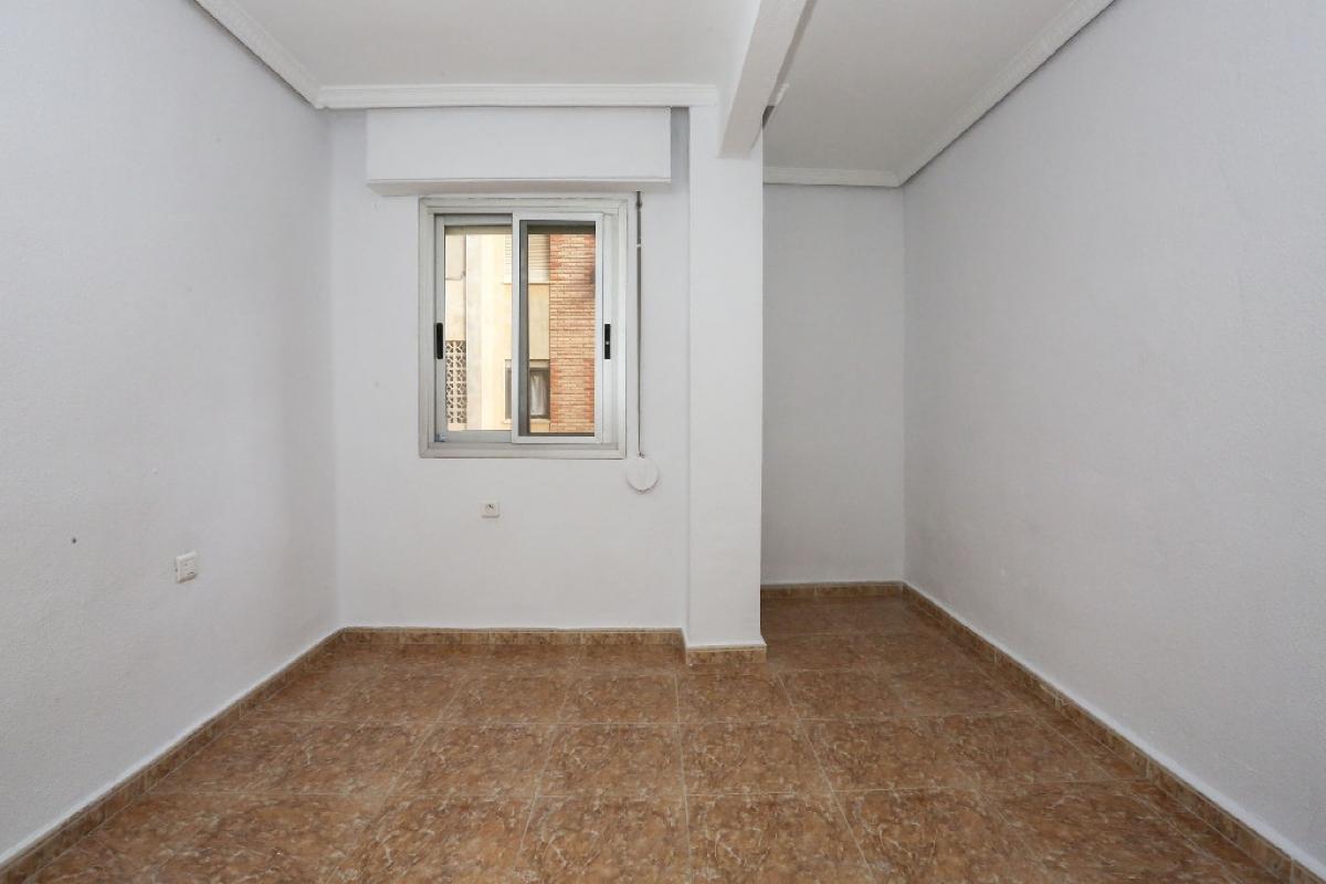 Piso en venta en Piso en Valencia, Valencia, 104.500 €, 2 habitaciones, 1 baño, 77 m2