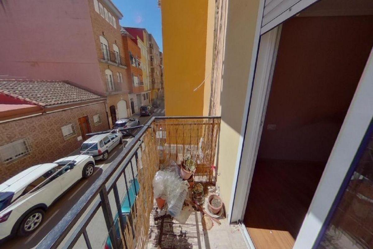 Piso en venta en Piso en Torrent, Valencia, 71.000 €, 3 habitaciones, 1 baño, 86 m2