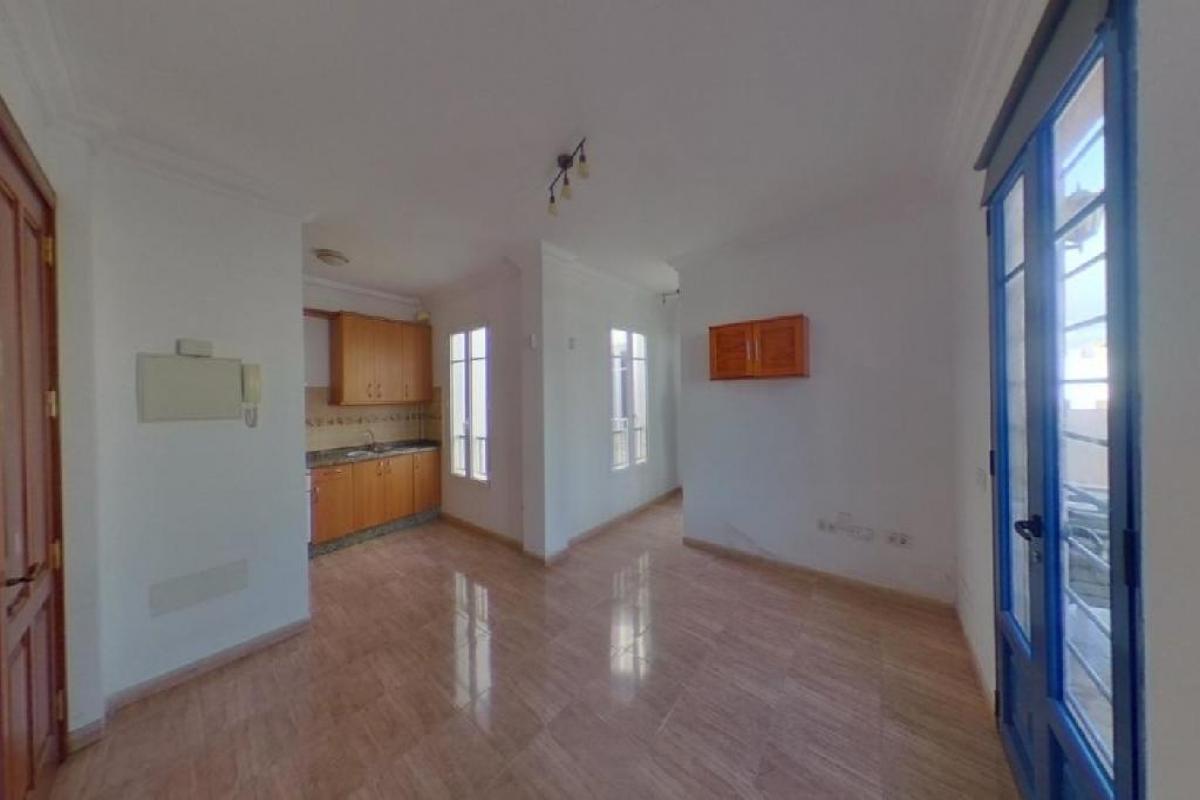 Piso en venta en Arrecife Centro, Arrecife, Las Palmas, Calle Jacinto Borges Diaz, 125.500 €, 2 habitaciones, 1 baño, 66 m2