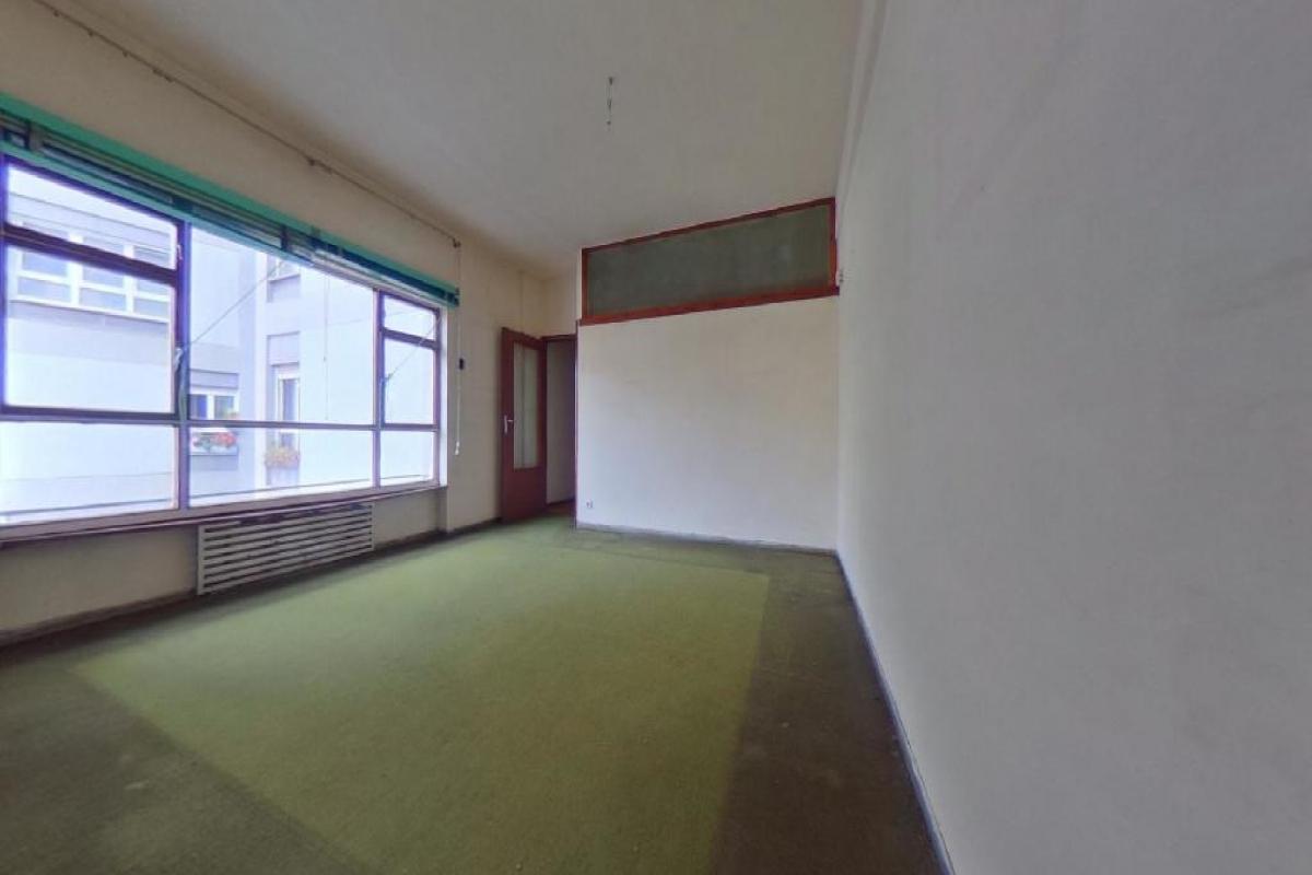 Piso en venta en La Corredoria Y Ventanielles, Oviedo, Asturias, Plaza General Primo de Rivera, 139.500 €, 3 habitaciones, 1 baño, 84 m2