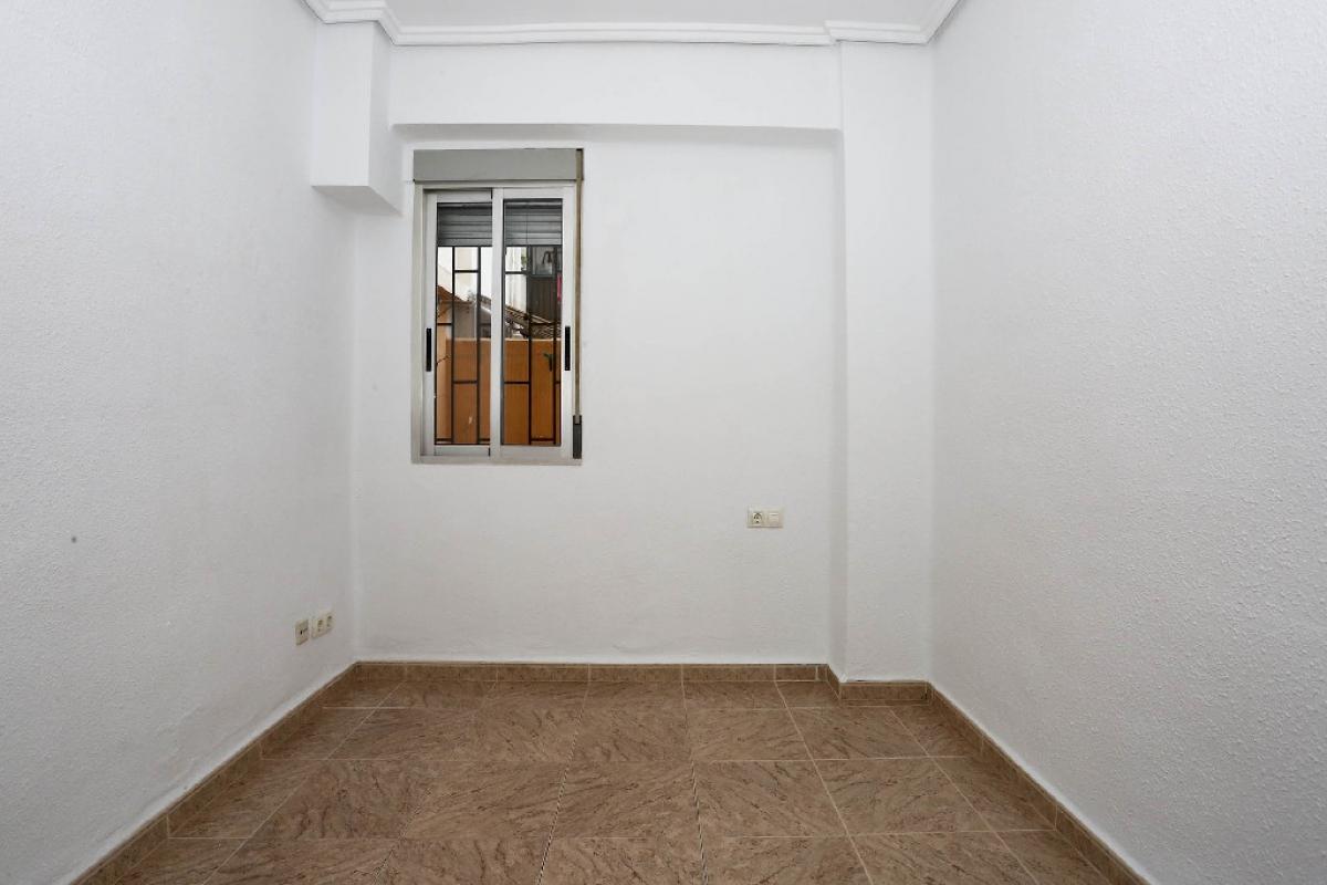 Piso en venta en Piso en Valencia, Valencia, 176.000 €, 3 habitaciones, 2 baños, 92 m2