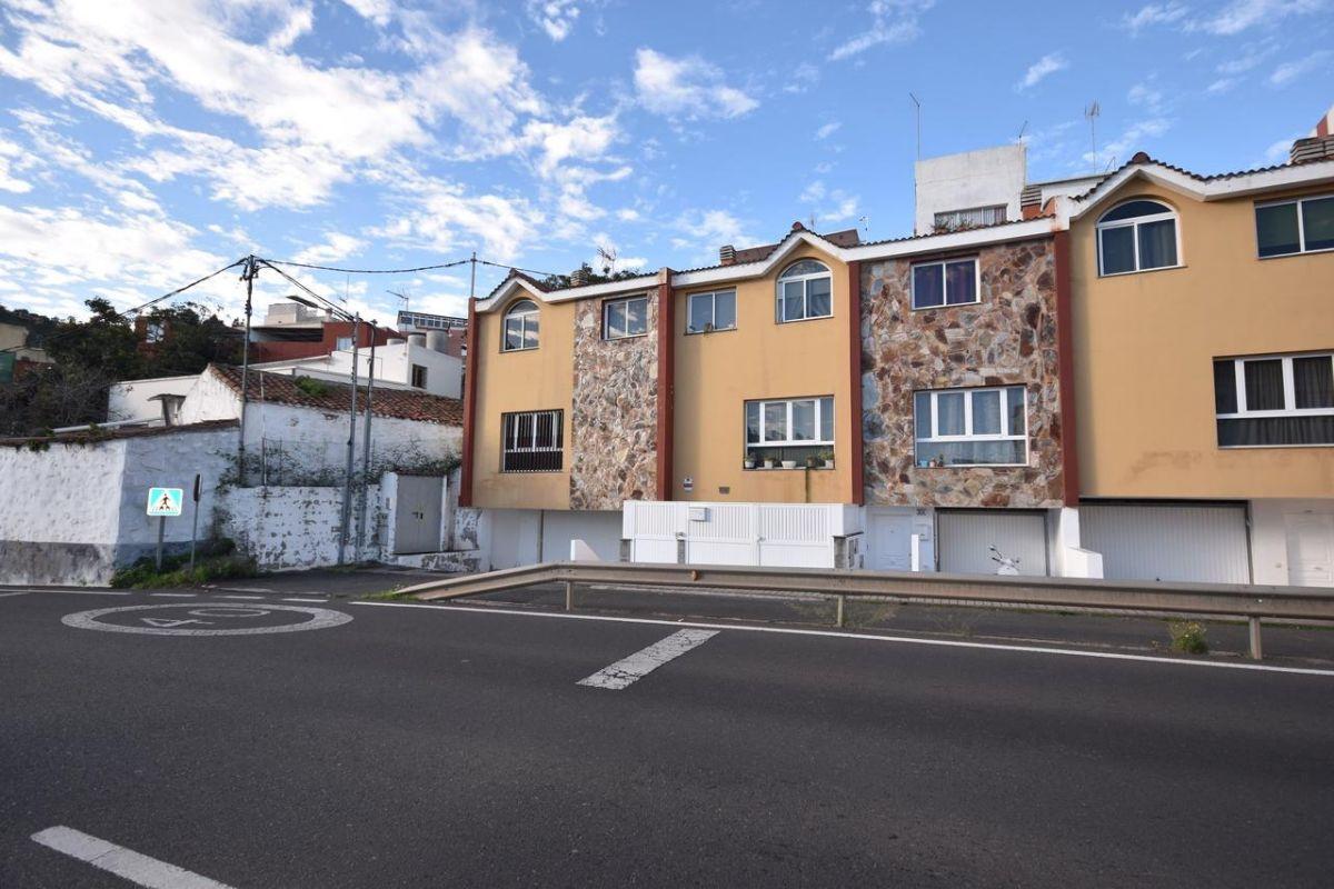 Casa en venta en Los Portales, Arucas, Las Palmas, Carretera General Gc 43, 149.000 €, 3 habitaciones, 177 m2