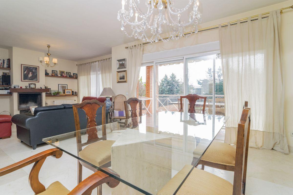 Casa en venta en Casa en Pozuelo de Alarcón, Madrid, 850.000 €, 4 habitaciones, 3 baños, 369 m2