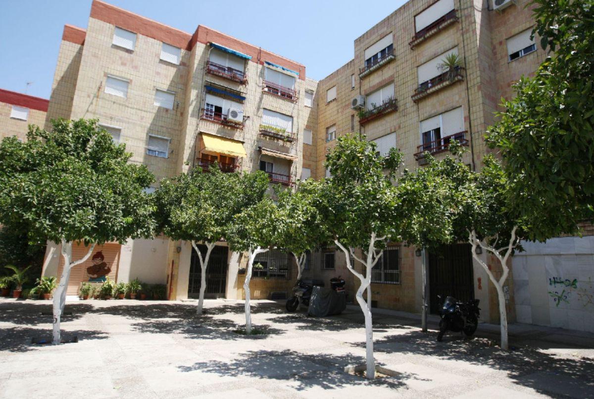 Casa en venta en Guadalcacín, Jerez de la Frontera, Cádiz, Plaza Ronda Bloque, 60.500 €, 3 habitaciones, 1 baño, 76 m2