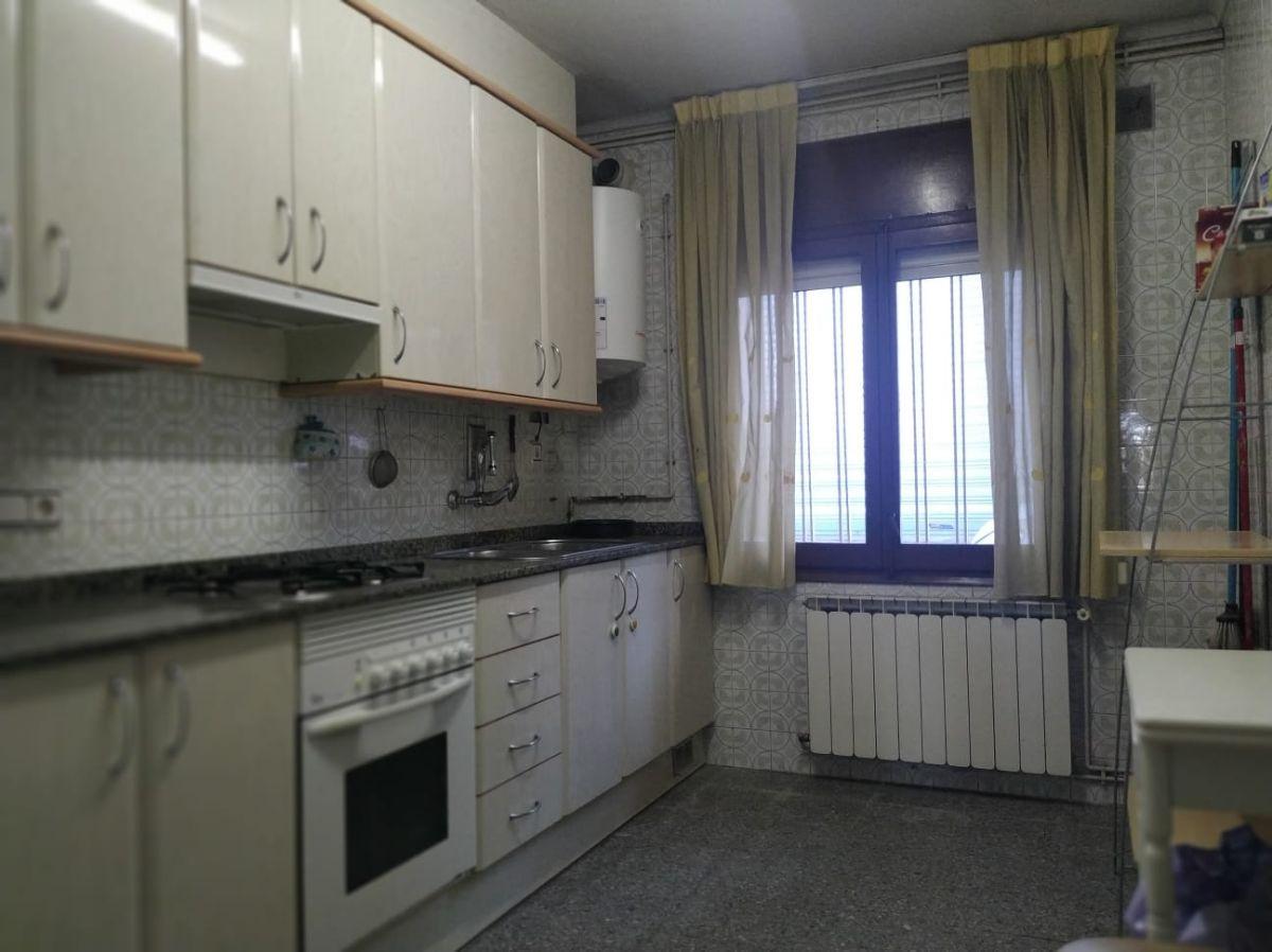 Piso en venta en Piso en Hostalric, Girona, 88.000 €, 4 habitaciones, 1 baño, 82 m2