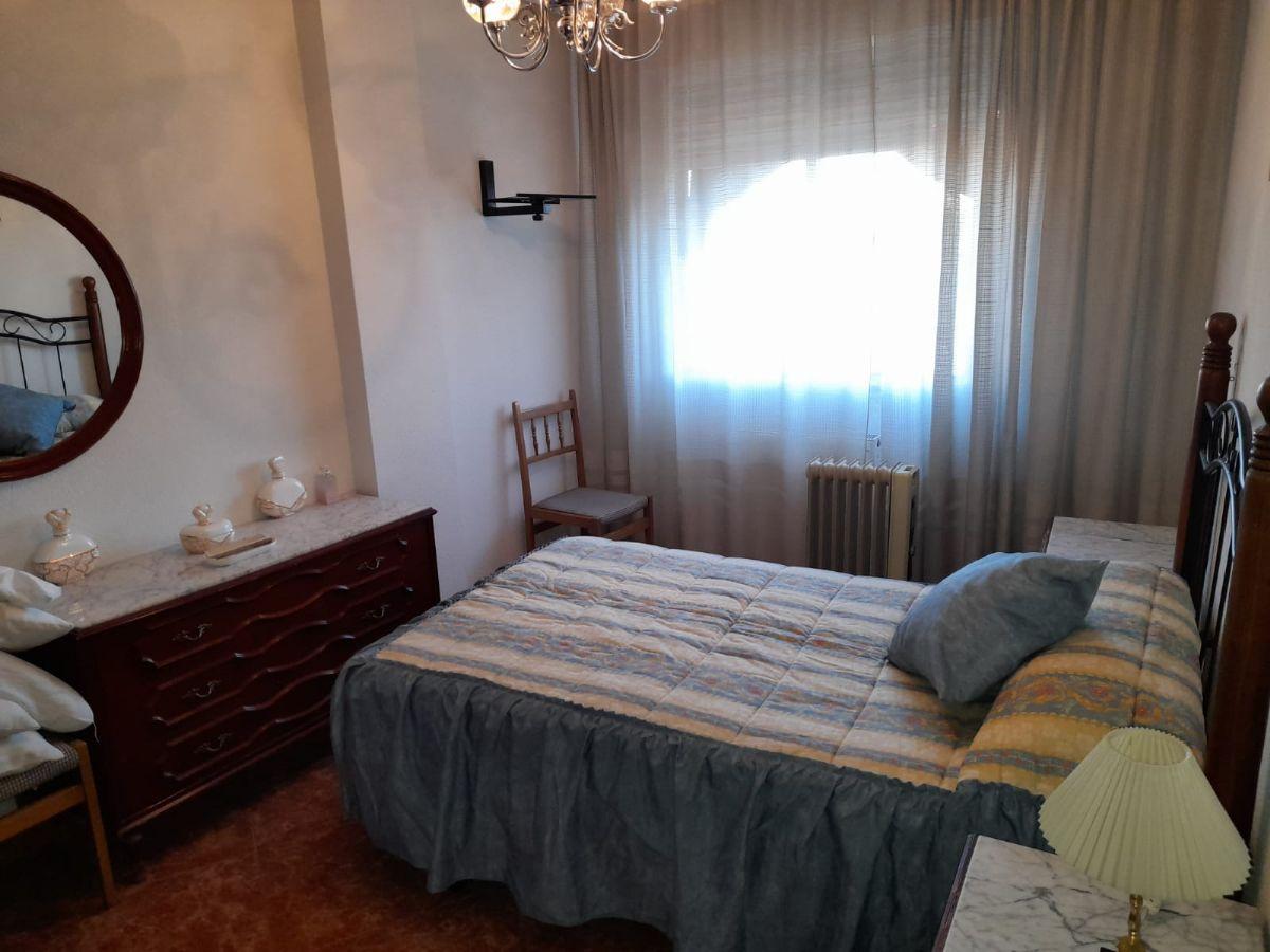 Piso en venta en Piso en Talavera de la Reina, Toledo, 78.000 €, 3 habitaciones, 2 baños, 131 m2