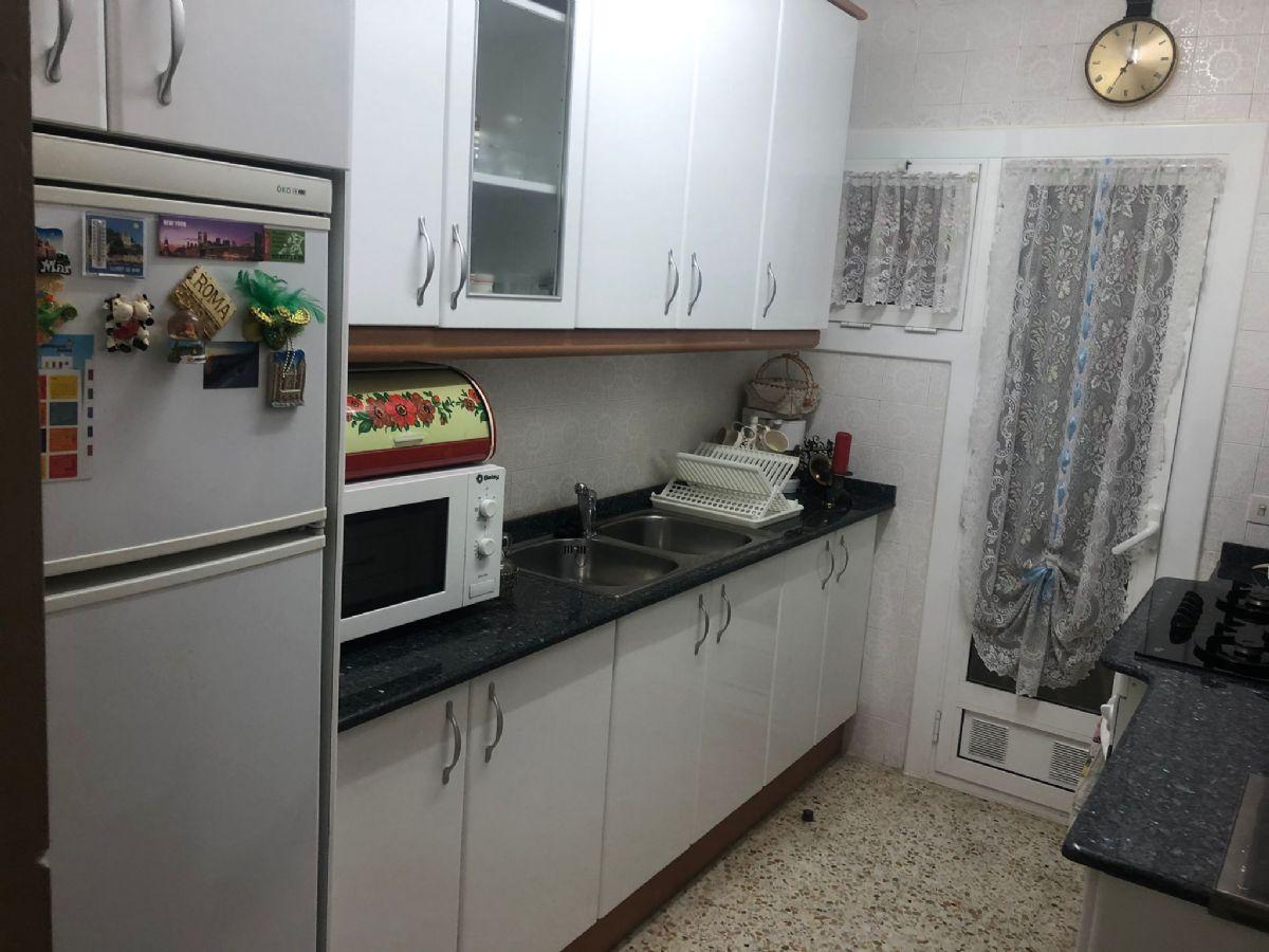 Piso en venta en 40383, Vilafranca del Penedès, Barcelona, Avenida Nord, 111.000 €, 3 habitaciones, 1 baño, 85 m2