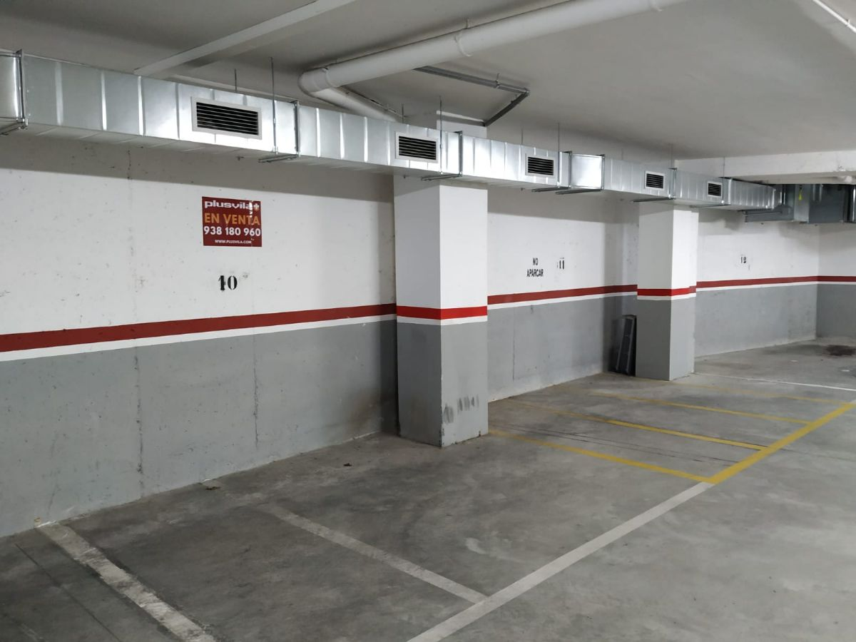 Parking en venta en Vilafranca del Penedès, Barcelona, Calle Montserrat, 3.500 €, 16 m2