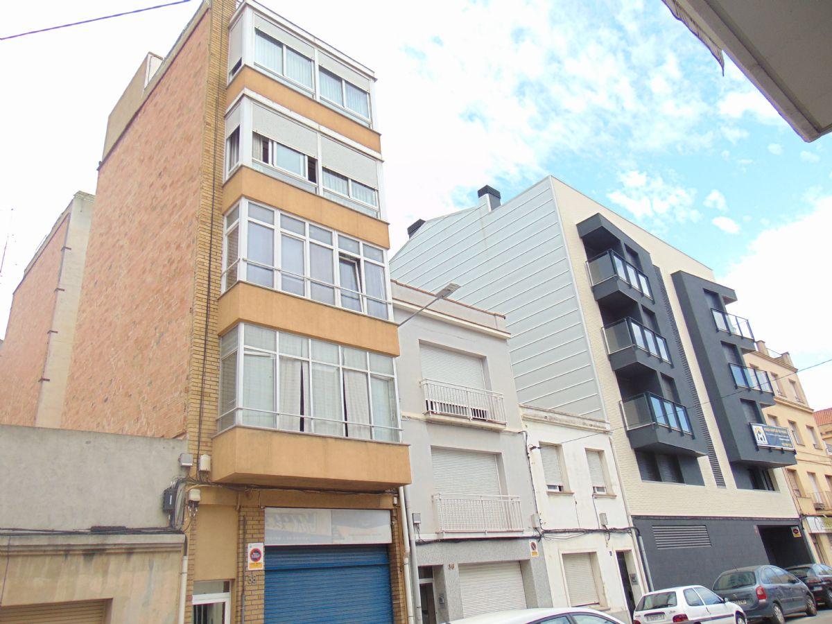 Piso en venta en Vilafranca del Penedès, Barcelona, Montblanc, 87.000 €, 3 habitaciones, 1 baño, 92 m2