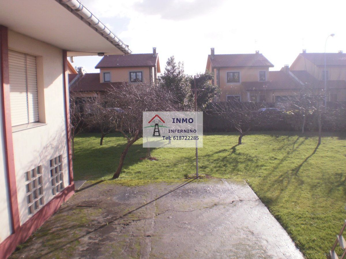 Casa en venta en Casa en Ferrol, A Coruña, 305.000 €, 7 habitaciones, 5 baños, 754 m2, Garaje