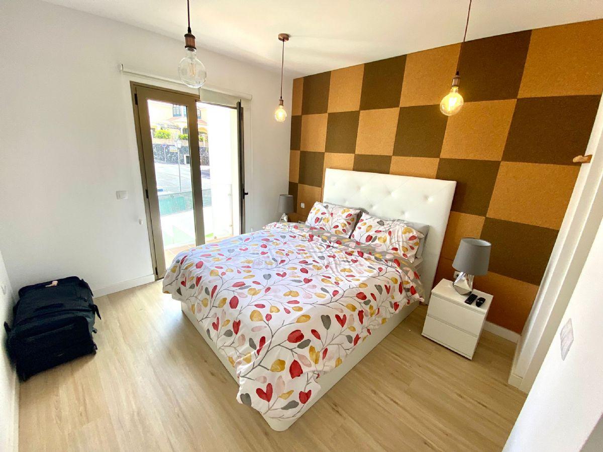 Casa en venta en Casa en Arona, Santa Cruz de Tenerife, 349.000 €, 3 habitaciones, 3 baños, 215 m2, Garaje