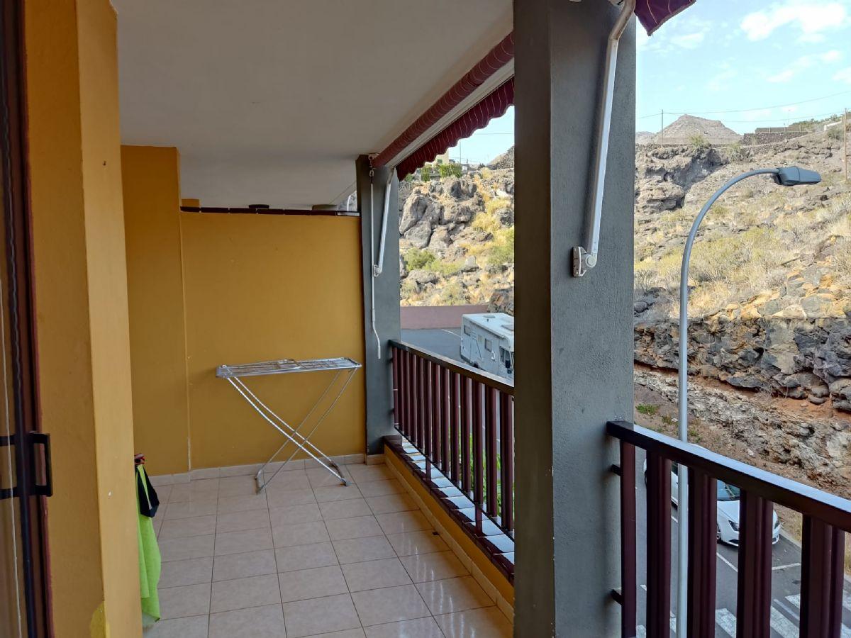 Piso en venta en Santiago del Teide, Santa Cruz de Tenerife, Calle Jose González González,, 118.000 €, 1 habitación, 1 baño, 72 m2