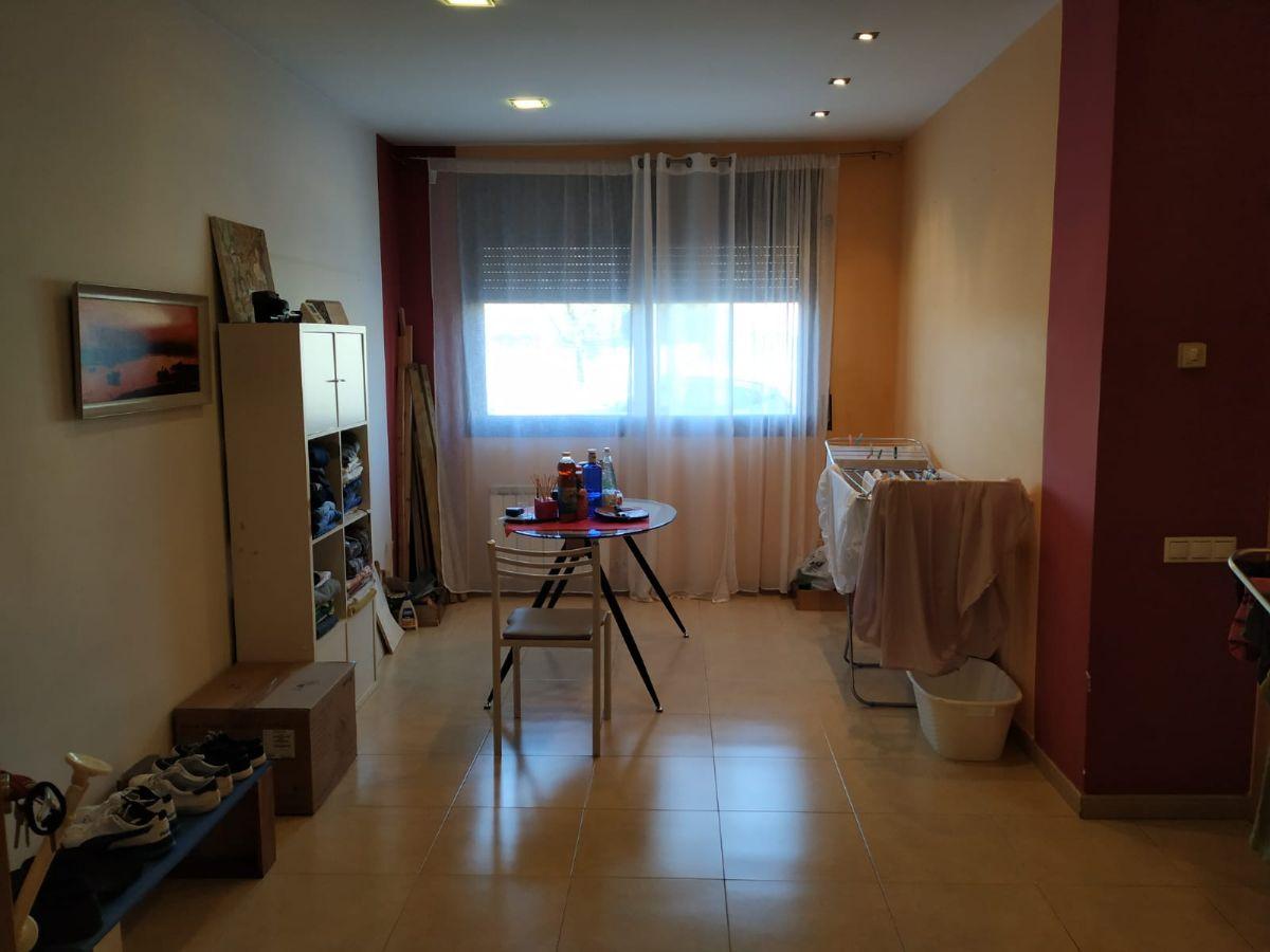 Piso en venta en Sils, Girona, Calle Onze de Setembre, 129.900 €, 3 habitaciones, 1 baño, 70 m2