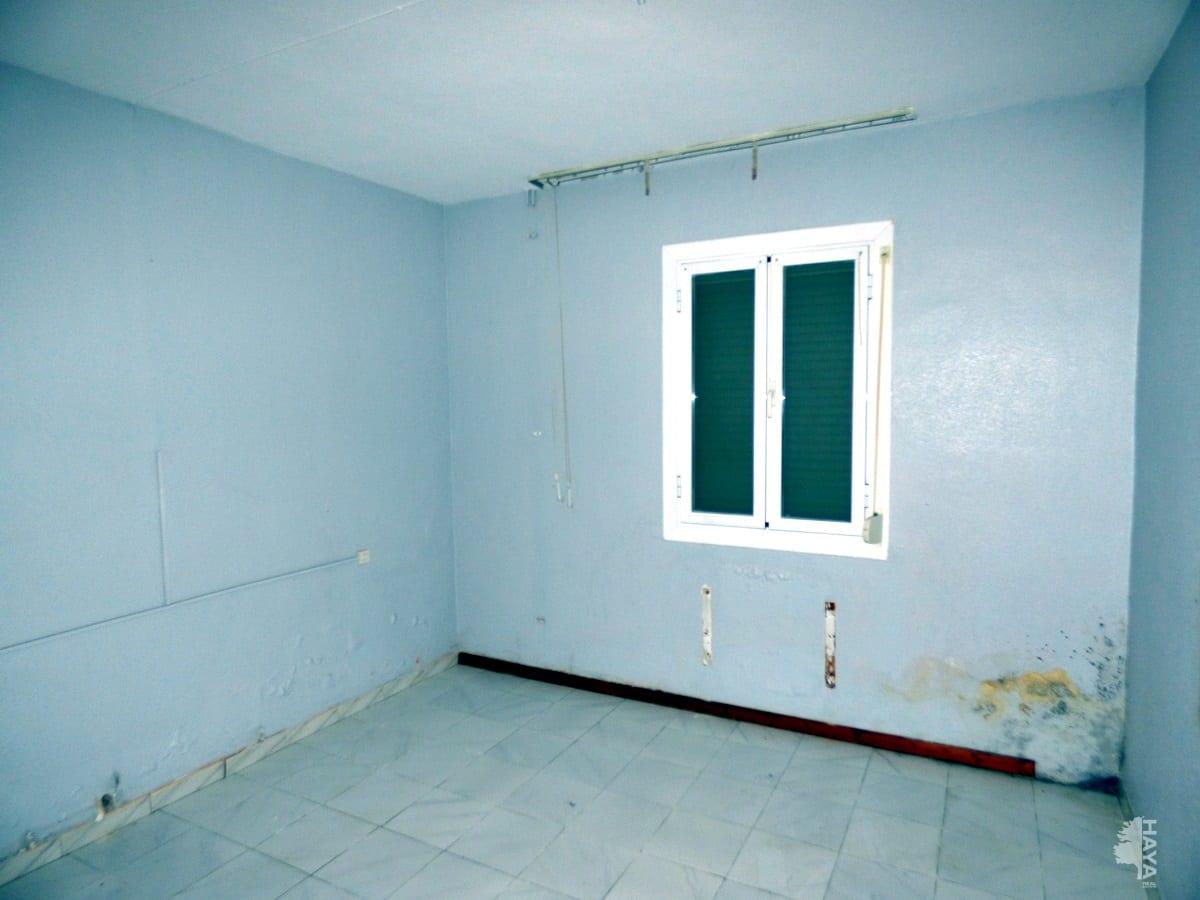 Casa en venta en Casa en la Puebla de Almoradiel, Toledo, 89.500 €, 6 habitaciones, 2 baños, 205 m2