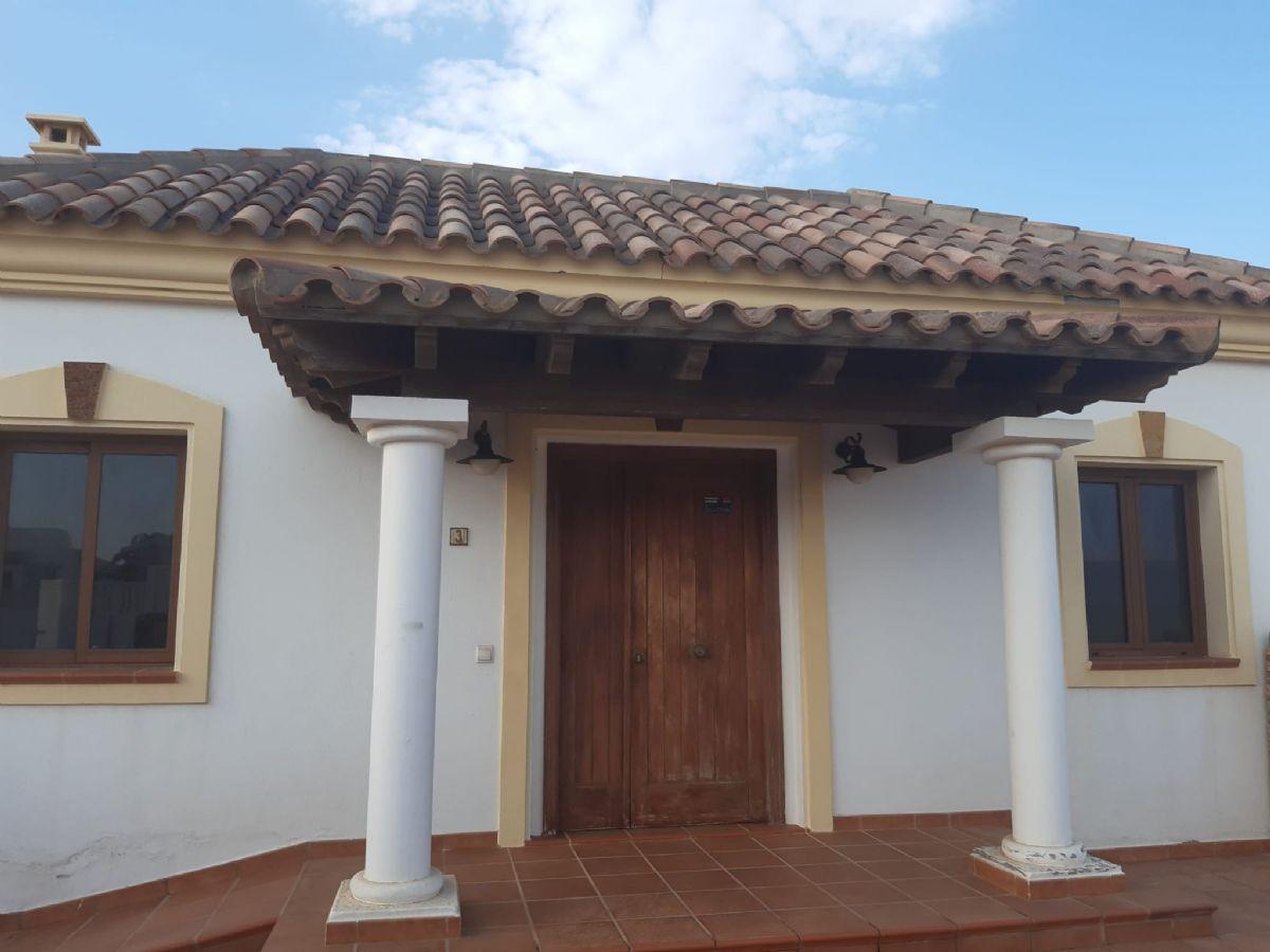 Casa en venta en La Oliva, Las Palmas, Calle Chorlitejo, 325.000 €, 3 habitaciones, 2 baños, 113 m2