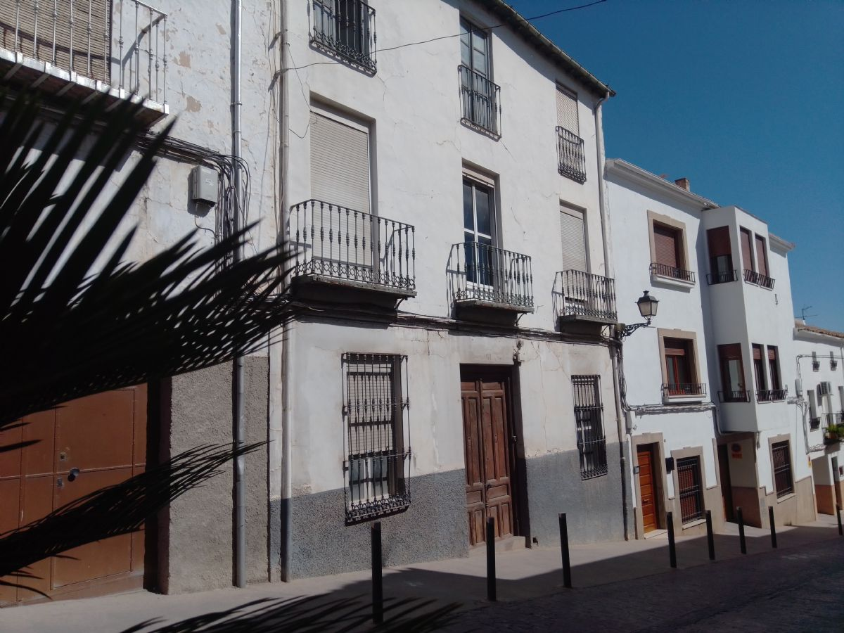 Casa en venta en Casa en Martos, Jaén, 81.000 €, 5 habitaciones, 3 baños, 641 m2
