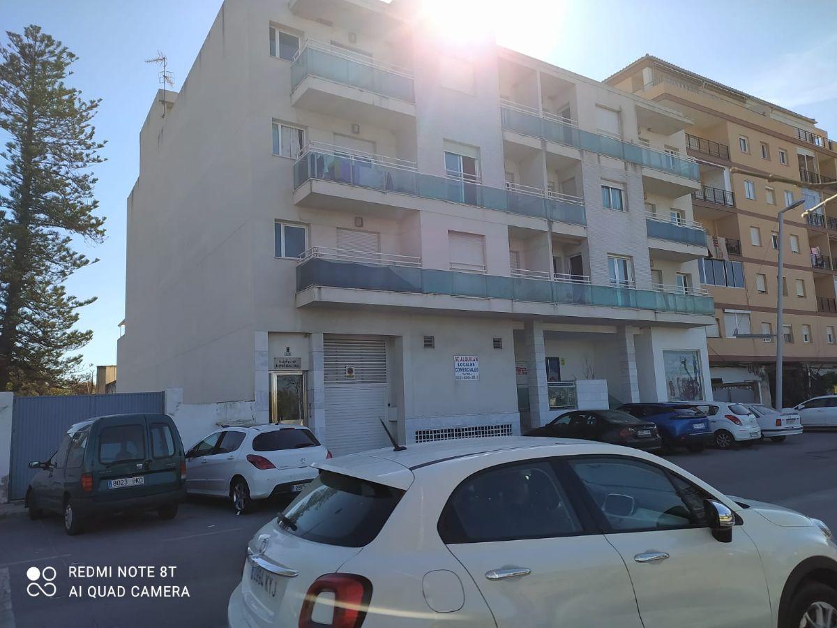 Piso en venta en Motril, Granada, Calle Nuestra Señora de la Cabeza, 63.800 €, 2 habitaciones, 1 baño, 95 m2