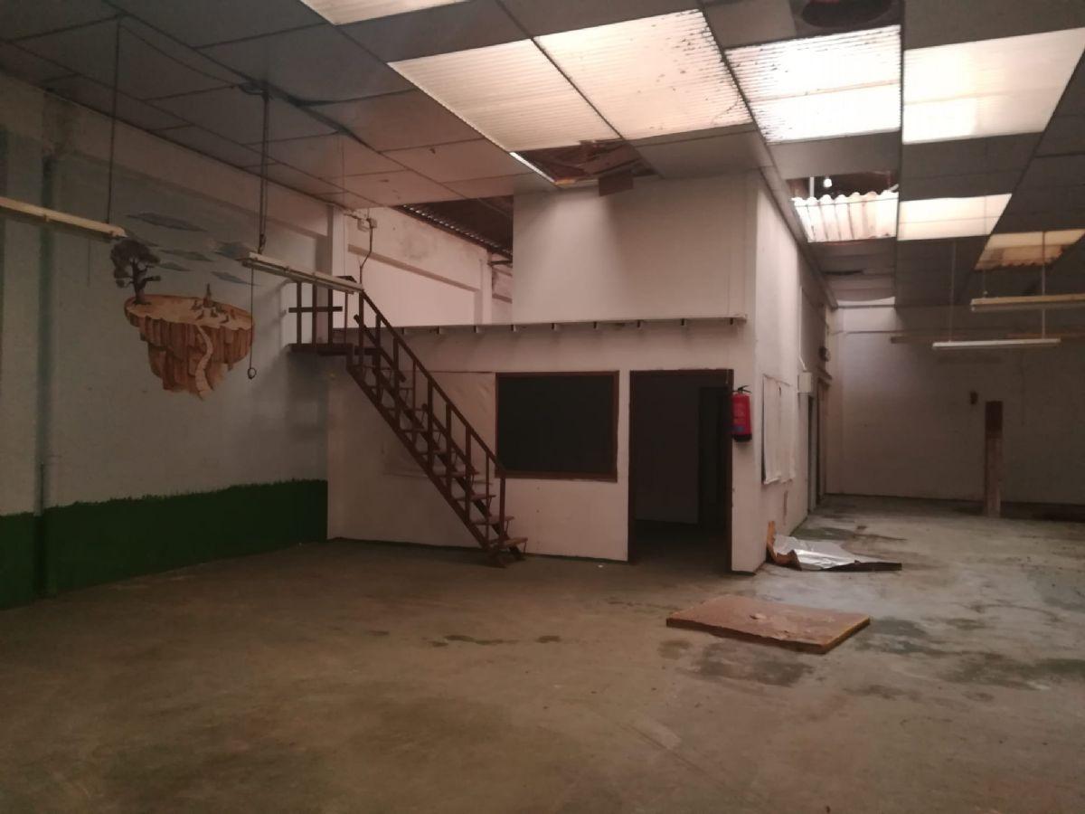 Local en venta en Local en Burjassot, Valencia, 150.000 €, 460 m2
