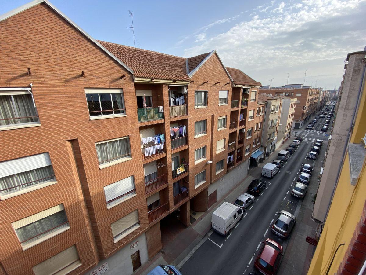 Piso en venta en Piso en Logroño, La Rioja, 39.000 €, 1 baño, 65 m2