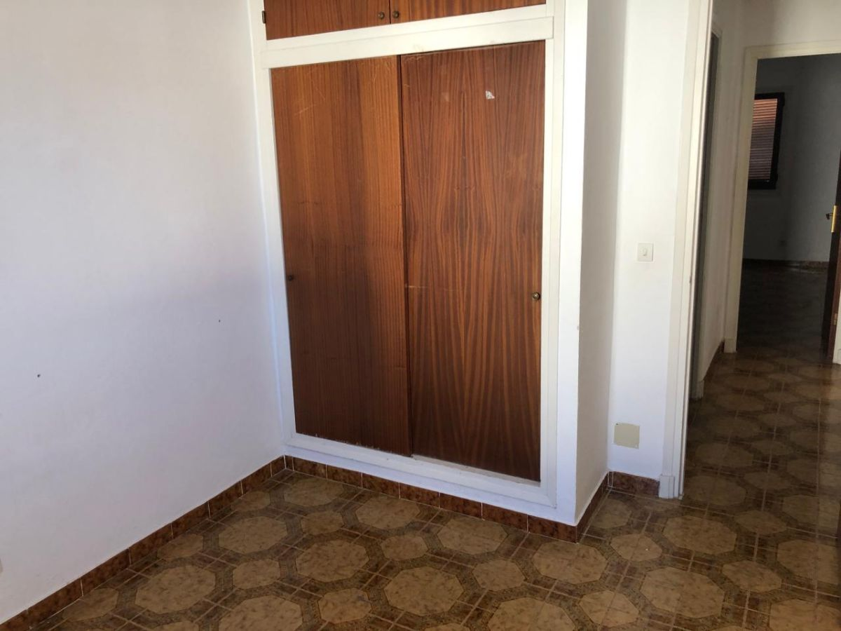 Piso en venta en Piso en Alaior, Baleares, 112.000 €, 61 m2