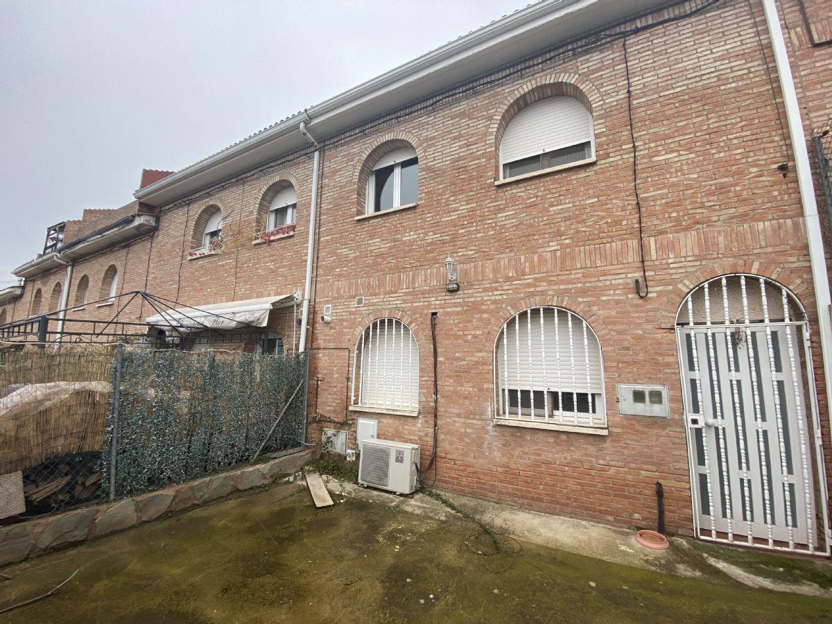 Piso en venta en Piso en Alberite, La Rioja, 55.000 €, 3 habitaciones, 2 baños, 88 m2