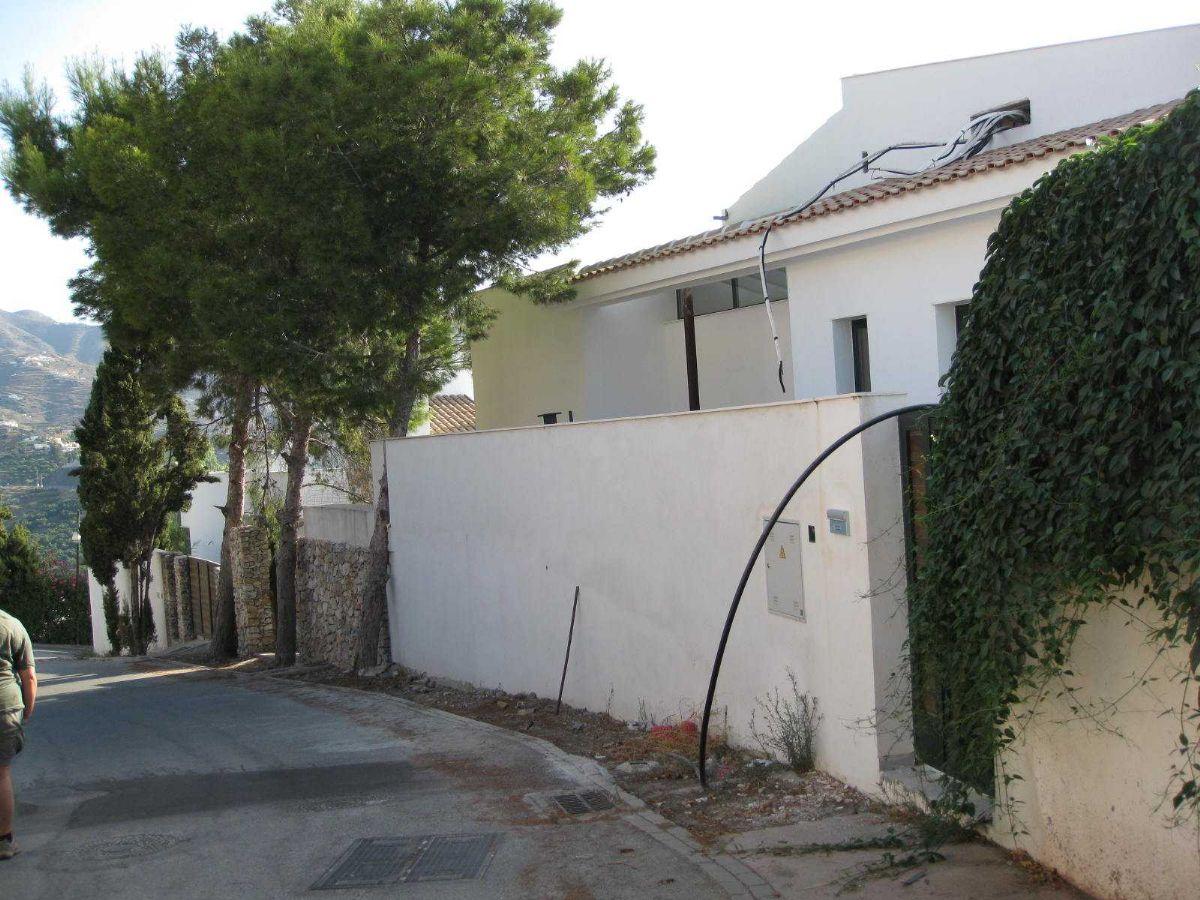 Casa en venta en Casa en Almuñécar, Granada, 3 habitaciones, 2 baños, 329 m2