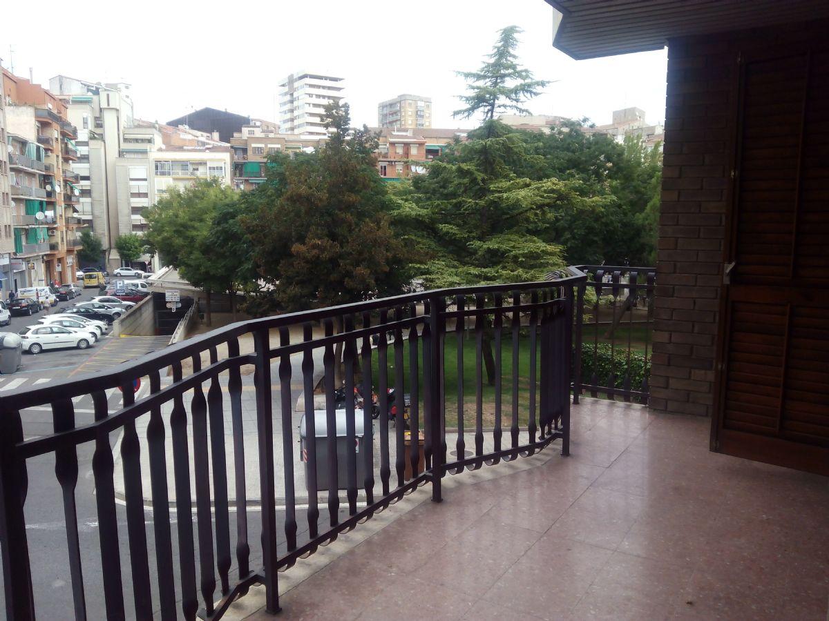 Piso en venta en Piso en , Lleida, 105.000 €, 4 habitaciones, 2 baños, 110 m2, Garaje