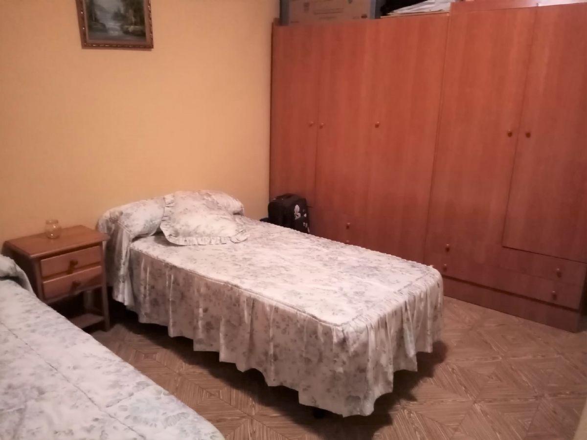 Casa en venta en Casa en Tomelloso, Ciudad Real, 58.500 €, 4 habitaciones, 1 baño, 182 m2