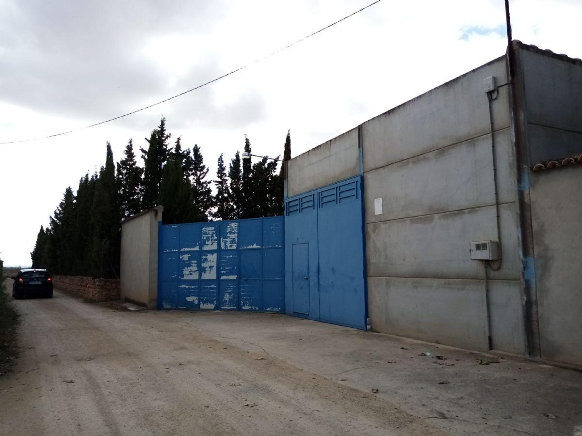 Industrial en venta en Tomelloso, Ciudad Real, Carretera Alavesa, 70.000 €, 182 m2