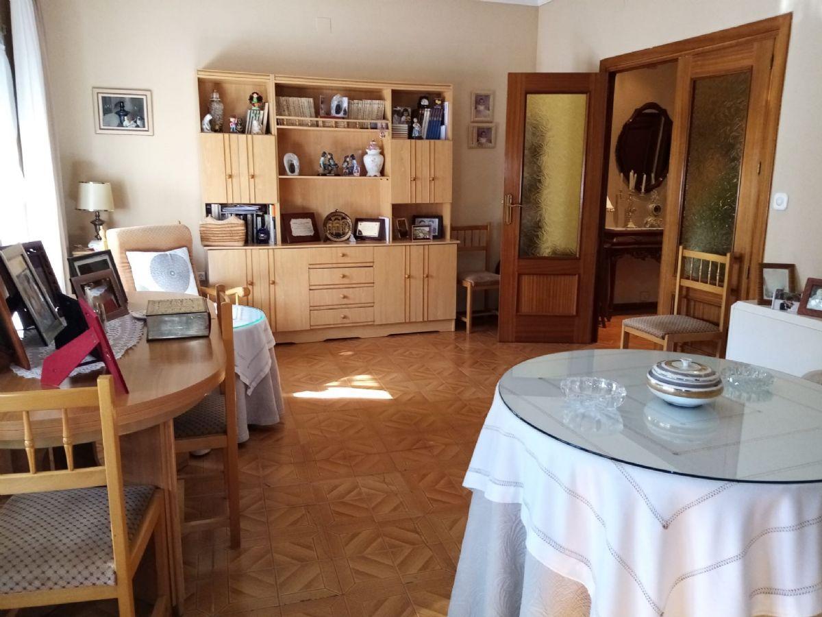 Casa en venta en Casa en Tomelloso, Ciudad Real, 90.000 €, 3 habitaciones, 3 baños, 214 m2